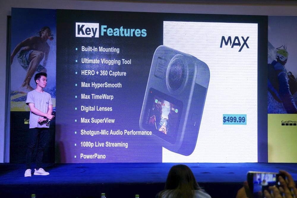 Sản phẩm GoPro HERO 8 Black và GoPro MAX sẽ được phân phối chính hãng và sớm có mặt tại các đại lý của Synnex FPT trên toàn quốc dự kiến vào đầu tháng 11 này với giá bán lẻ tham khảo lần lượt là 10,49 triệu đồng và 12,99 triệu đồng.