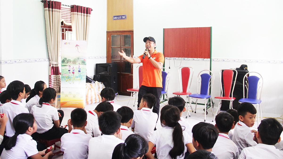 Xã Đại Sơn là địa phận vùng núi của huyện Đại Lộc, đời sân người dân nơi đây còn nhiều khó khăn, giao thông đi lại vất vả. Tuy nhiên, thầy và trò thời gian qua vẫn nỗ lực và vượt khó cũng như nhận được sự quan tâm của chính quyền trong công tác dạy học.
