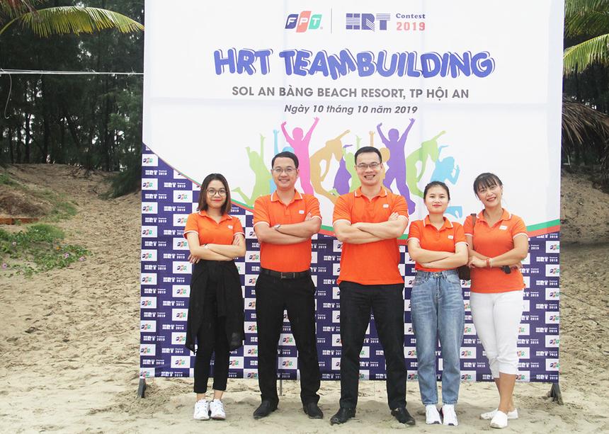 Sáng nay (10/10), HRT Contest 2019 khu vực miền Trung đã diễn ra tại SOL An Bàng Resort, TP Hội An.. Ban tổ chức có mặt rất sớm để triển khai nội dung teambuilding trên bãi biển nhưng thời tiết mưa đã không thể tiếp tục.