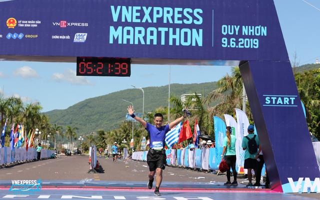 marathon-fpt-chu-hung-thang-15-2417-6637