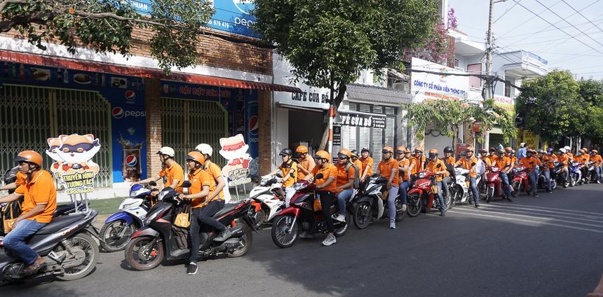 """Trong chuỗi sự kiện mừng sinh nhật tuổi lên 10 của chi nhánh, FPT Telecom Bình Thuận tiếp tục """"tăng tốc"""" 3 ngày liên tục trước bữa tiệc lớn với chiến dịch """"Hổ săn đêm góp mồi sinh nhật""""."""