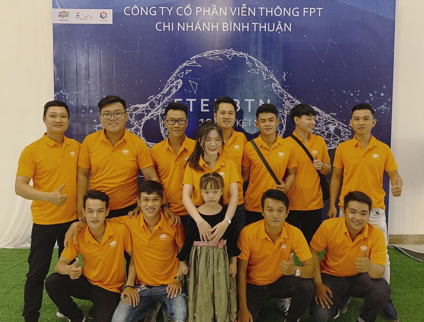 CBNV và gia đình chung vui với chi nhánh.