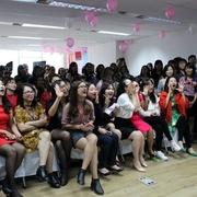 Rộn ràng các hoạt động đón Ngày Phụ nữ Việt Nam tại nhà Hệ thống