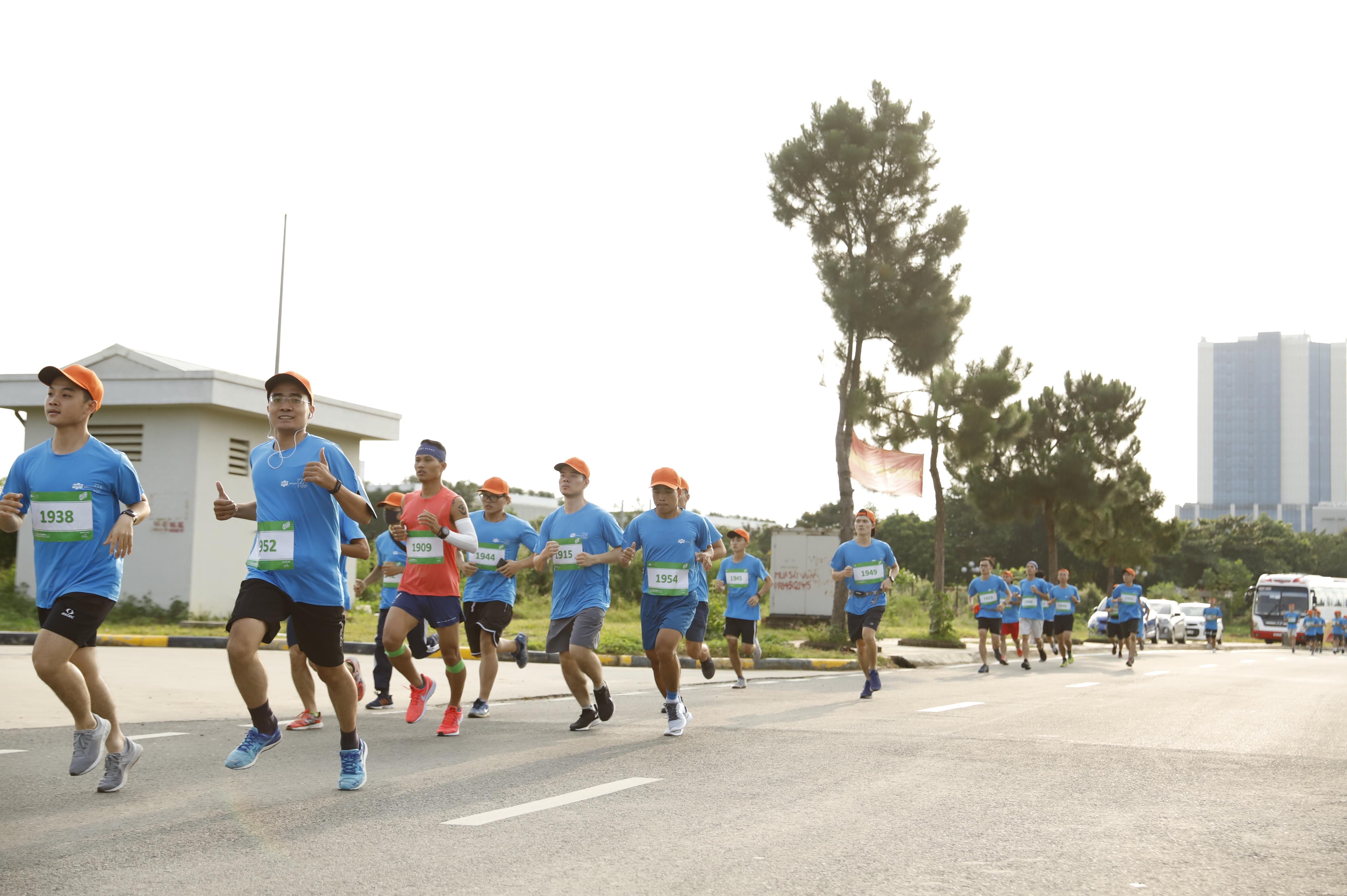 Nhưng mọi khó khăn cũng không thể ngăn được sức chạy của các vận động viên tại Run For Green.