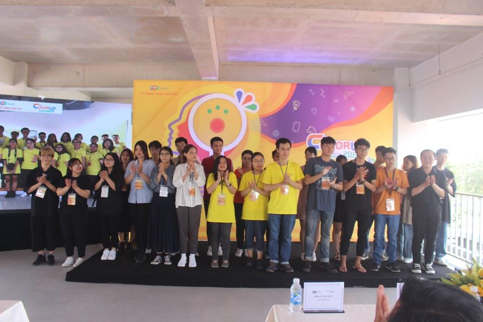 FPT Edu ColorUp 2019 là sân chơi nhằm tìm kiếm và phát triển những nhân tố tài năng lĩnh vực thiết kế đồ họa trong cộng đồng học sinh, sinh viên FPT Education. Cuộc thi được chia làm 2 bảng thi độc lập là Digital Art và Design với tổng giá trị giải thưởng lên đến 155.000.000 đồng.