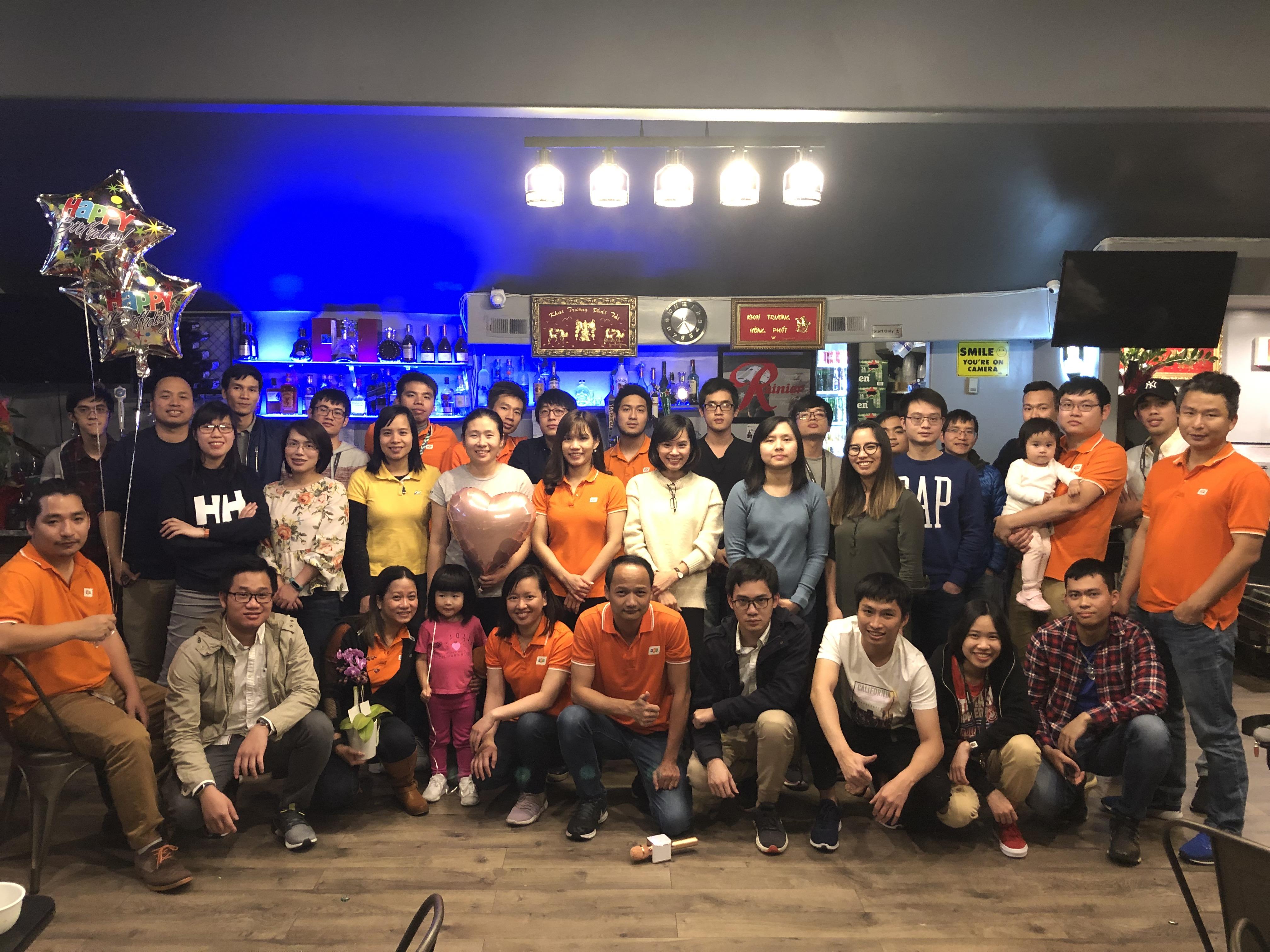 Tại Seattle, CBNV cũng tổ chức gần như cùng thời điểm.Sự kiện được tổ chức đồng thời tại các site FAM có thị trường, trong đó có một số site lớn như Dallas, Los Angeles, Denver. Ngoài ra, FAM tổ chức sinh nhật cho CBNV tại Canada và Việt Nam.