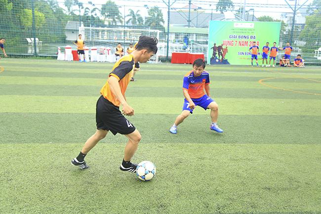 Riêng cầu thủ Phương Mạnh Cường đã ghi đến 5 bàn chỉ sau hai trận đấu để giúp các cầu thủ Cà Mau tiến vào bán kết chạm trán ứng viên vô địch Đồng Tháp.