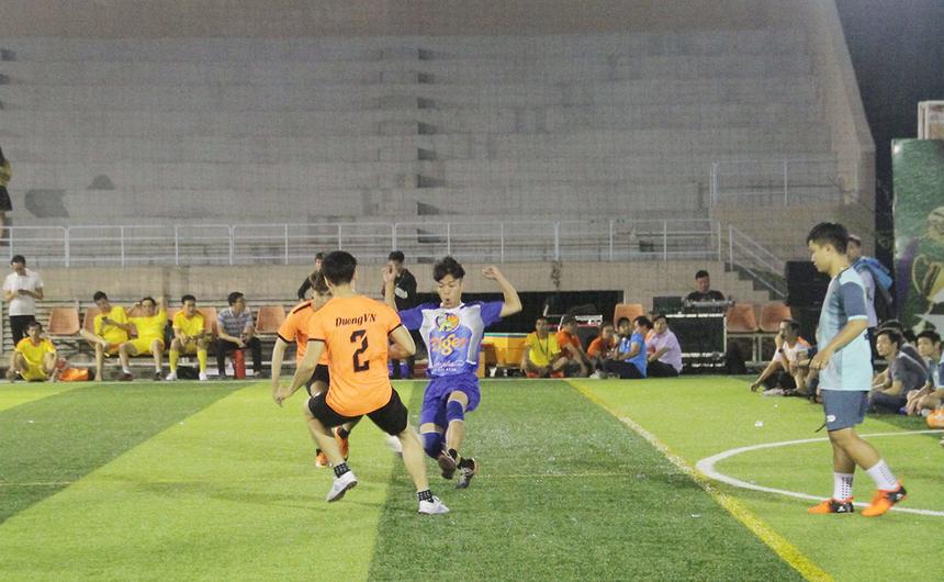 Không quá bất ngờ khi Chym_TauHai sớm vượt lên dẫn trước. Đội bóng áo xanh dù rất nỗ lực nhưng không thể lật ngược tình thế. Chung cuộc, Chym_TauHai giành chiến thắng 1-0 trước Chym_Be.