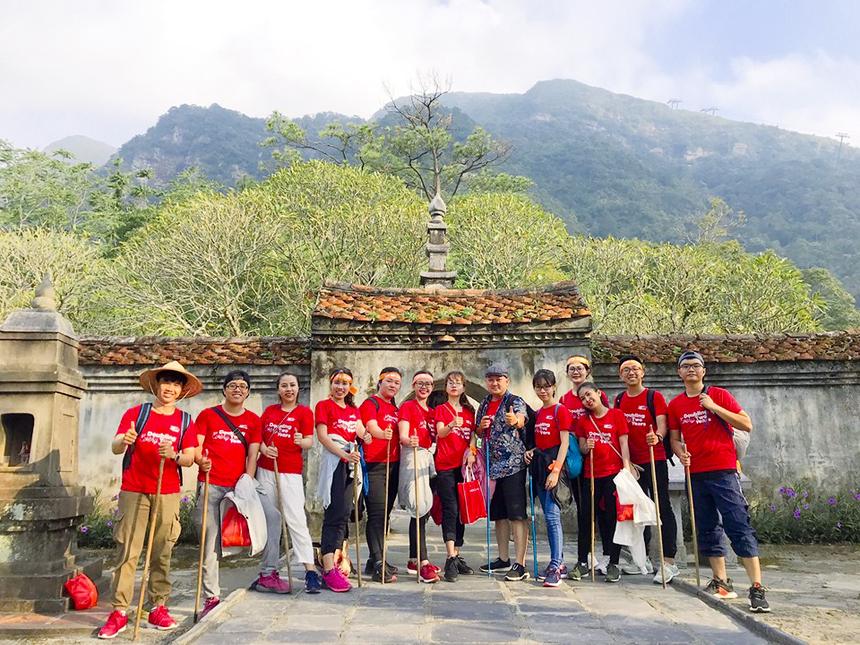 Trước đó, vào ngày 19/10 vừa qua, một số đoàn đã trải nghiệm leo núi Yên Tử.