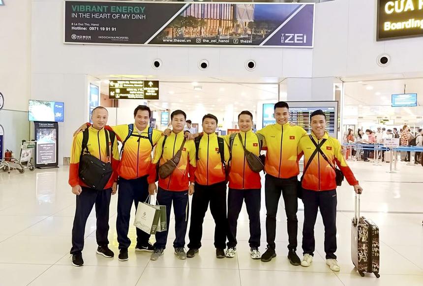 Ngày 25/10, đông đảo người FPT Education lên đường di chuyển đến 1 trong 3 địa điểm leo núi là Langbiang (Đà Lạt), núi Bà Đen (Tây Ninh) và Yên Tử (Quảng Ninh).