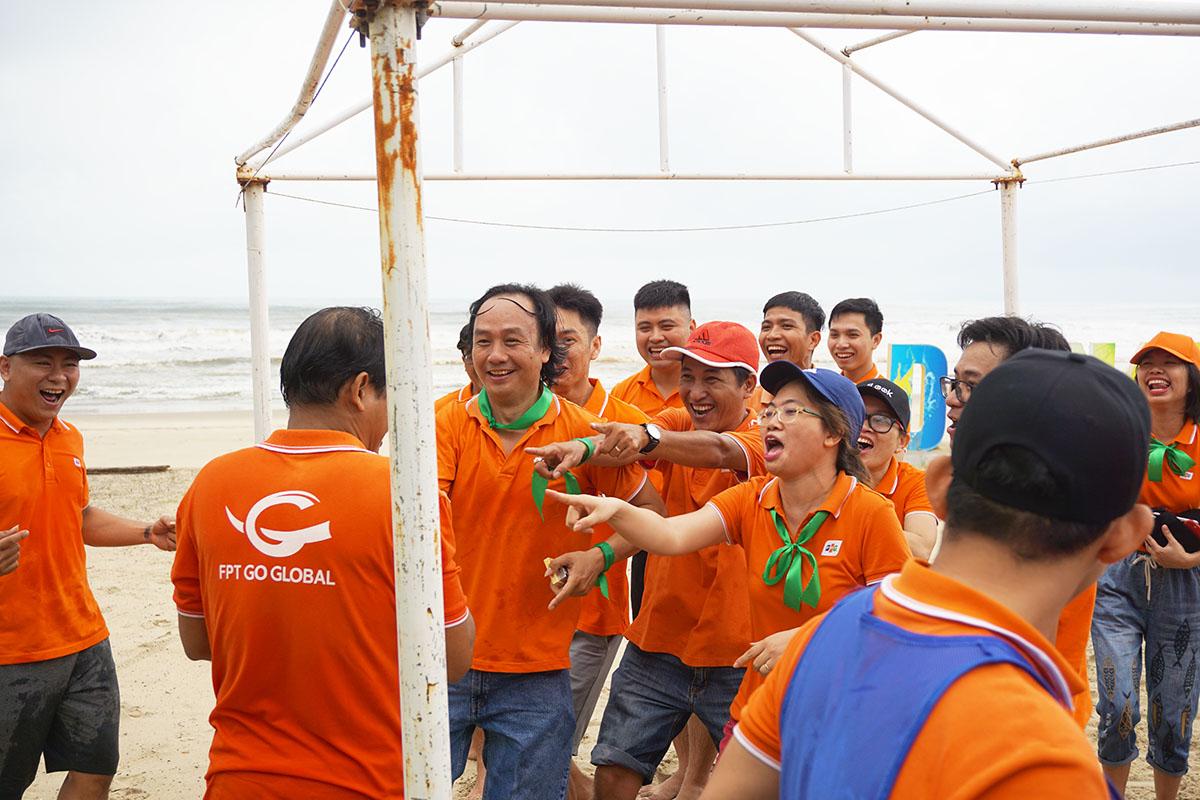 Thành truyền thống, người Synnex FPT miền Trung luôn thể hiện sự máu lửa và quyết tâm trong tất cả các hoạt động. Teambuilding đợt này cũng không nằm ngoại lệ khi các thành viên liên tục tranh cãi quyết liệt.