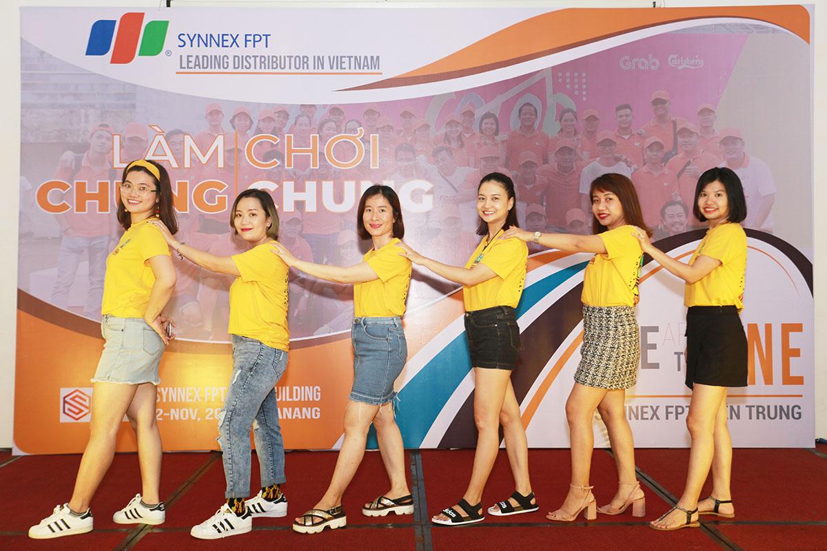 Tối ngày 2/11, Synnex FPT miền Trung tổ chức chương trình Gala Dinner tại khu nghỉ dưỡng Cocobay Đà Nẵng. Hoạt động thu hút hơn 80 CBNV từ các tỉnh thành về tham gia.