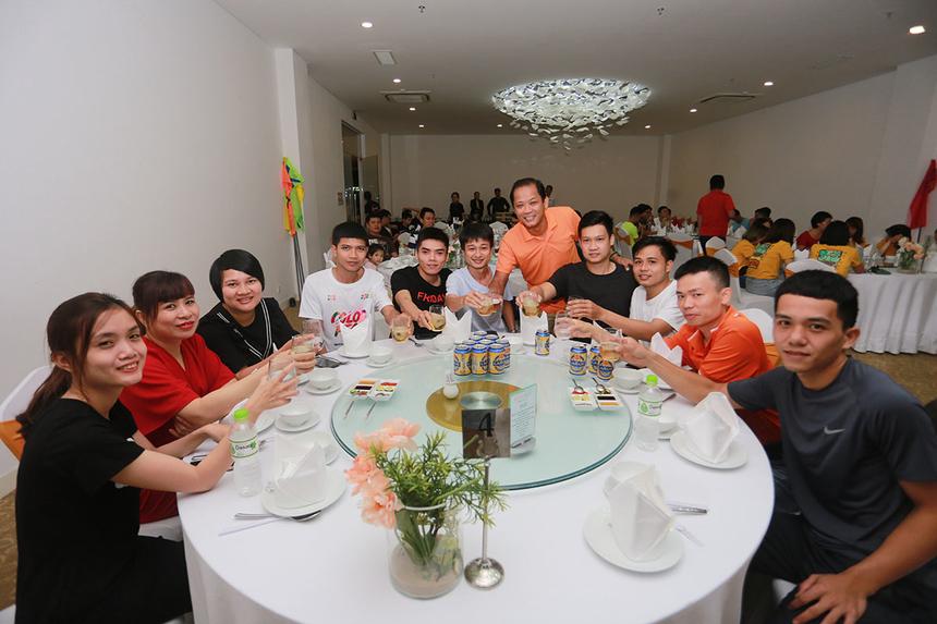 Sự kiện nằm trong chương trình teambuilding kéo dài từ ngày 2 đến 3/11. ĐêmGala Dinner với mục đích cùng nhau nhìn lại chặng đường đã qua và hướng về đích năm 2019.
