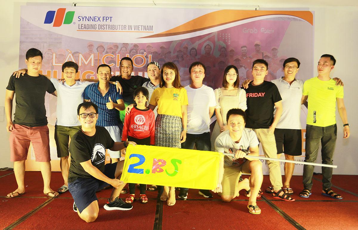 Thể hiện được tinh thần đoàn kết và máu lửa trong tất cả nội dung, đội số 2 đã giành chiến thắng một cách xứng. Toàn đội lên sân khấu nhận giải Nhất từ Ban tổ chức.