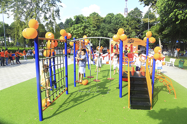 Sân chơi trẻ em thứ 23 được khánh thành trên cả nước xây dựng tại công viên Làng Hoa (191 Lê Văn Thọ, quận Gò Vấp).