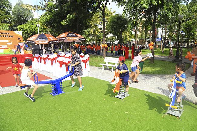 Mục tiêu của chiến dịch FoxSteps là xây dựng sân chơi hoàn toàn miễn phí cho trẻ em trên các tỉnh thành cả nước với đầy đủ các trang thiết bị vui chơi tiện nghi. Mỗi km người FPT Telecom đi được sẽ được đóng góp vào quỹ xây dựng sân chơi.