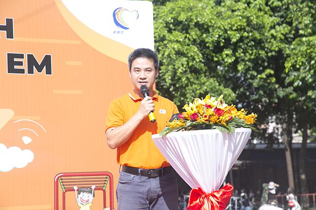 """""""Hy vọng sân chơi thiếu nhi của FPT Telecom sẽ góp phần vào đời sống và sinh hoạt của trẻ em cùng người dân phường 8, quận Gò Vấp"""", anh Chu Hùng Thắng - PTGĐ FPT Telecom chia sẻ."""