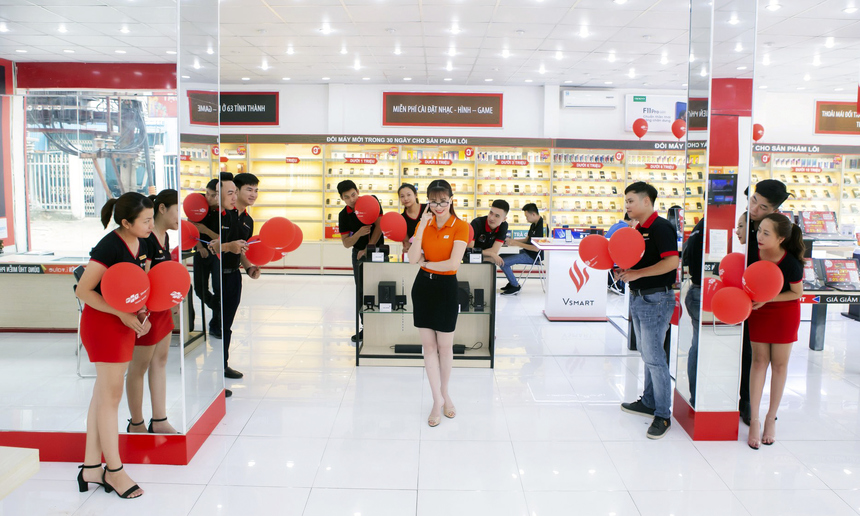 Với 9 bức ảnh chọn lọc, được đầu tư kỹ càng phần nội dung, chùm ảnh của tân Hoa hậu Lê Thị Kiều Oanh trên Fanpage của chương trình đã thu hút hơn 1.800 lượt yêu thích, trên 7.800 lượt bình luận tương tác và có hơn 6.400 lượt chia sẻ.