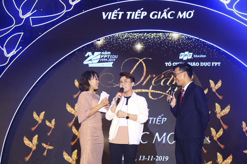 Diễn viên Huỳnh Lập - cựu sinh viên FPT Arena chia sẻ chính những kiến thức được học và trải nghiệm từ ngày thực hiện DAM TV khi còn là sinh viên đã tạo điều kiện tốt để anh bước vào sự nghiệp diễn xuất như hiện nay.