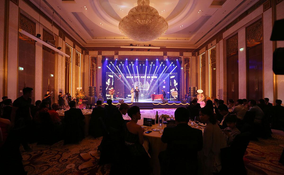 """Sau Cần Thơ và TP HCM, Đà Nẵng là điểm cầu tiếp theo tổ chức chương trình Gala 20 năm FPT Education - """"Dream On - Viết tiếp giấc mơ"""" vào ngày 15/11 tại Sheraton Grand Danang Resort, 35 Trường Sa."""