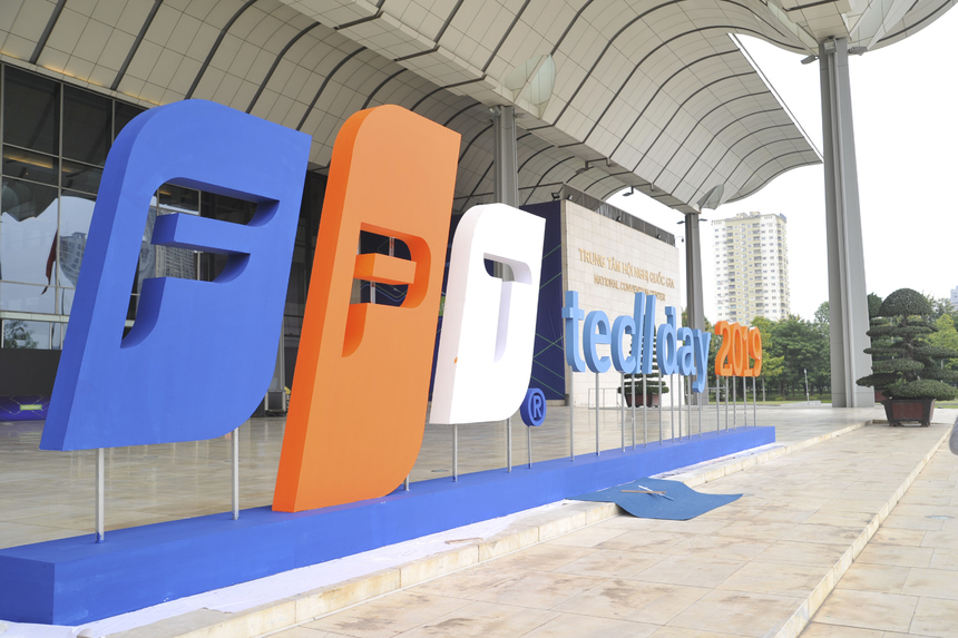TechDay 2019 sẽ diễn ra vào sáng mai (21/11) tại Trung tâm Hội nghị Quốc Gia, Hà Nội. Dự kiến, FPT sẽ đón tiếp hơn 3.000 khách tham dự, hơn 500 CEO, CTO, Chuyên gia công nghệ và hơn 30 diễn giả trong và ngoài nhà F.