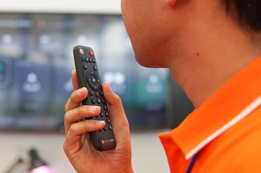 """<p class=""""Normal""""> FPT Play Rogo không chỉ kết nối với các thiết bị Wi-fi mà còn hợp tác với các đơn vị sản xuất thiết bị thông minh. Từ 2020 các thiết bị của Điện Quang và Rạng Đông cũng có thể sử dụng và kết nối trực tiếp với FPT Play Rogo mà không cần qua thiết bị trung gian. """"Với nền tảng này, chúng tôi cho phép các doanh nghiệp IoT tại việt nam thâm nhập thị trường dễ dàng hơn thông qua 200.000 sản phẩm FPT Playbox có sẵn trên thị trường"""", anh Đức nói.</p>"""