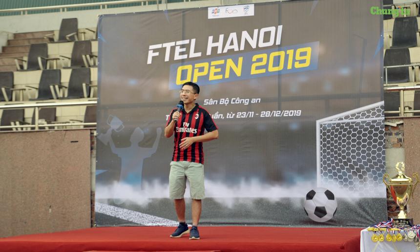 Với sự ra đời chính thức của Liên đoàn bóng đá FPT Telecom (DFF) năm nay, anh Hoàng Việt Anh, TGĐ FPT Telecom - Chủ tịch DFF, bày tỏ sự ấn tượng về nhiều điểm mới trong công tác tổ chức chuyên nghiệp và bài bản, mang đậm không khí thể thao sôi động, vui tươi và tràn đầy nhiệt huyết. Chủ tịch DFF cũng nhấn mạnh tinh thần thể thao fair-play và kỷ luật nghiêm minh trong các cuộc tranh tài suốt thời gian diễn ra của giải bóng đá FTEL Hà Nội Open 2019.