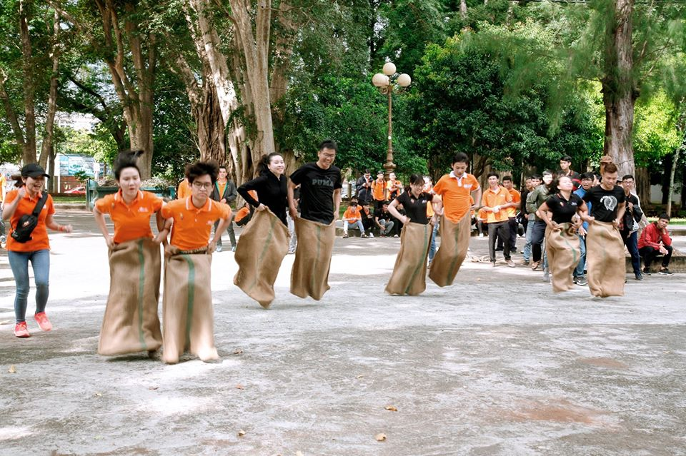 Thi đấu quyết tâm trong phần lớn thời gian, đội K13.3 MAR- UDPM xuất sắc giành giải Nhất nội dung Nhảy bao bố.