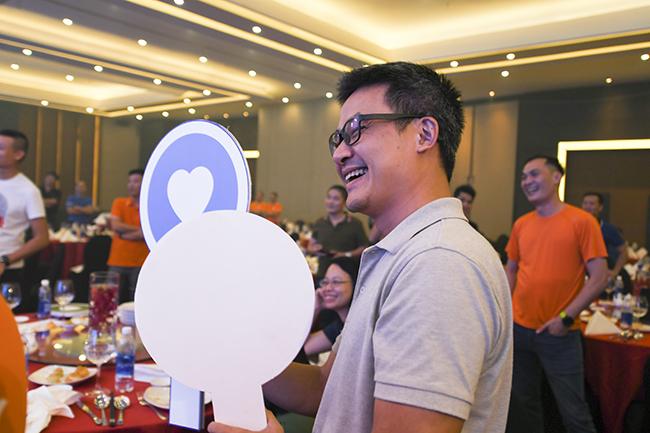 Phần chơi đã mang lại nhiều tiếng cười cho các lãnh đạo tham gia hội nghị. Đội Lam chiến thắng với 1.590 điểm.