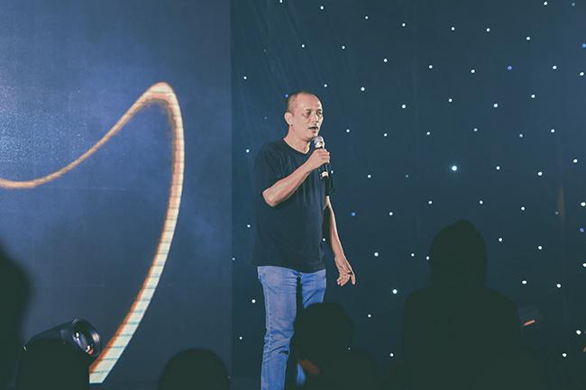 Anh Nguyễn Thành Nam - Chủ tịch ĐH FUNiX được xem là ông tổ của nhạc STCo đã dành tặng và hòa ca cùng chương trình bằng nhiều bài hát do anh chế tác.