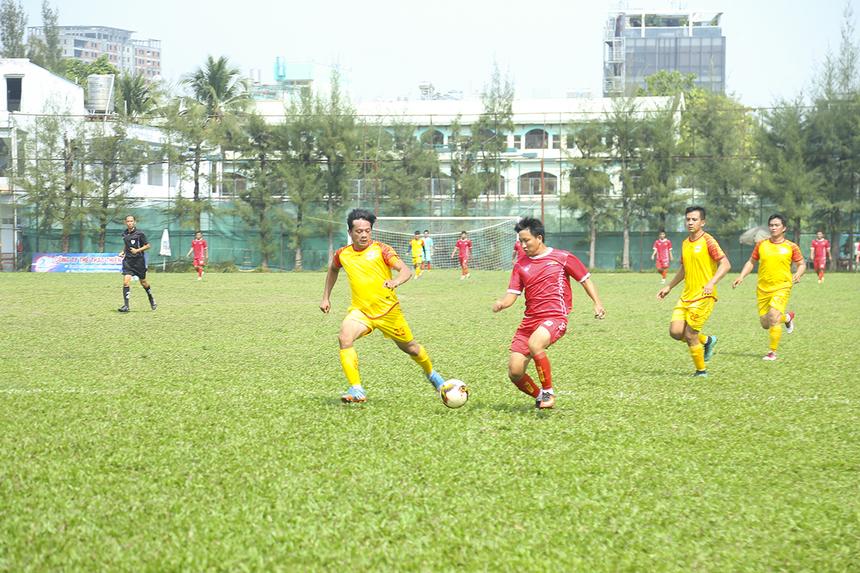 Tiền đạo Minh Trí suýt nữa đã có bàn thắng cho riêng mình nếu anh nhanh và chỉn chu hơn trong các pha không chế bóng, dứt điểm của mình.