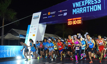 VnExpress Marathon Hanoi Midnight 'biệt đãi' runner nhà F