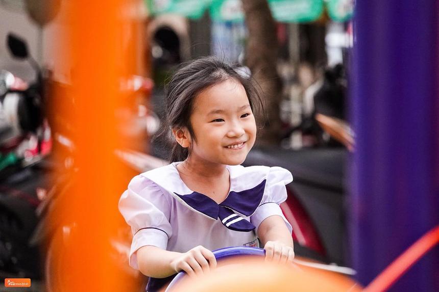 Anh Trần Phan Thanh Tâm, GĐ FPT Telecom Khánh Hoà, cho biết, hoạt động giúp các cháu có thêm công trình vui chơi và giải trí. Đây sẽ là điểm đến yêu thích của các cháu sau giờ học, giúp phát triển toàn diện về thể chất và tinh thần.
