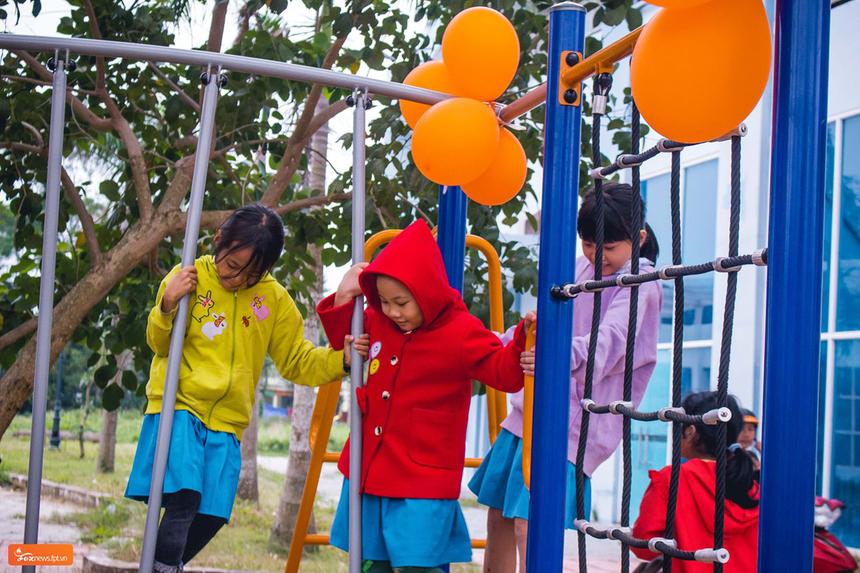 Chiều cùng ngày, FPT Telecom cũng ra mắt sân chơi thứ 43 cho trẻ em tại Quảng Ngãi. Sân chơi FoxSteps được đặt tại Trung tâm hoạt động Thanh thiếu nhi Diên Hồng, 60 Hùng Vương, Nguyễn Ngiêm.