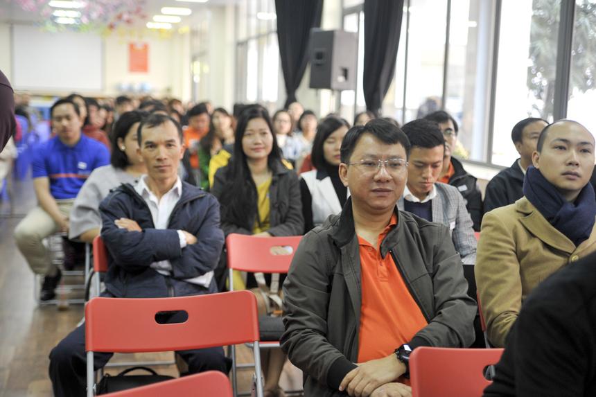 Sự kiện thu hút sự quan tâm của hơn 300 diễn giả và khách tham dự.