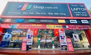 FPT Shop toàn quốc nhuộm đỏ sắc cờ mừng tuyển Việt Nam vô địch