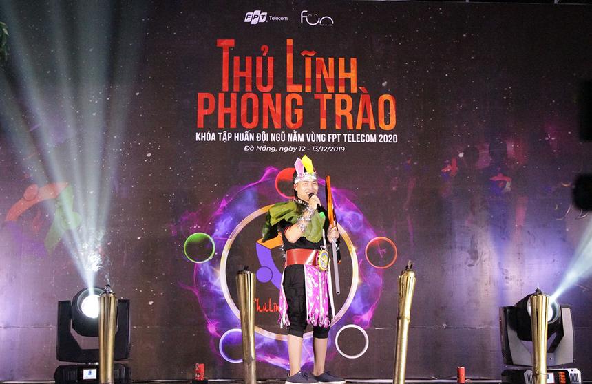 Câu chuyện của đội Thổ khai thác vấn đề về thế hệ kế cận của thủ lĩnh nằm vùng. Anh Lê Giang Nguyên, FPT Telecom HCM, hóa thành vua Hùng để kể quá khứ hào hùng và một nền văn hóa đặc sắc đã được xây dựng trước đó.