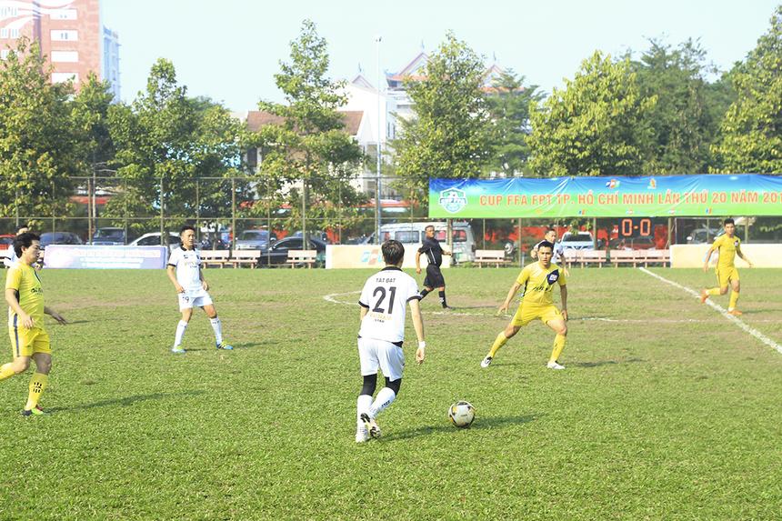Các cầu thủ từng thi đấu nhiều năm trong màu áo đội tuyển FPT HCM (áo vàng) thuộc các đơn vị: FPT Education, FPT Telecom, FPT IS, ... được dẫn dắt bởi HLV Nguyễn Thanh Tân.