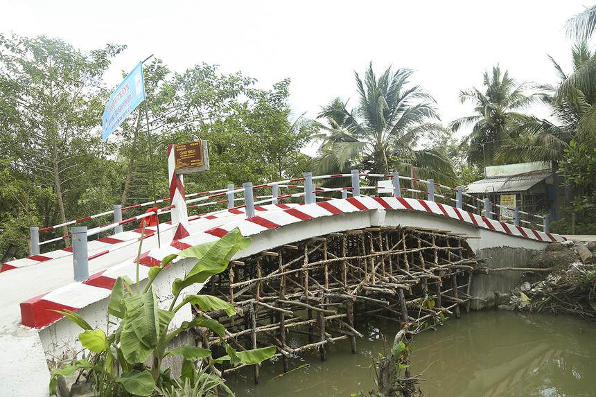 Trong ngày 27/12, Quỹ Hy vọng liên tiếp khánh thành nhiều cây cầu, đưa vào lưu thông nhân dịp năm mới 2020 tại các huyện Vĩnh Thạnh, Thốt Nốt, Cờ Đỏ (TP Cần Thơ) và cầu Nguyễn Văn Bảy (huyện Lai Vung, tỉnh Đồng Tháp).