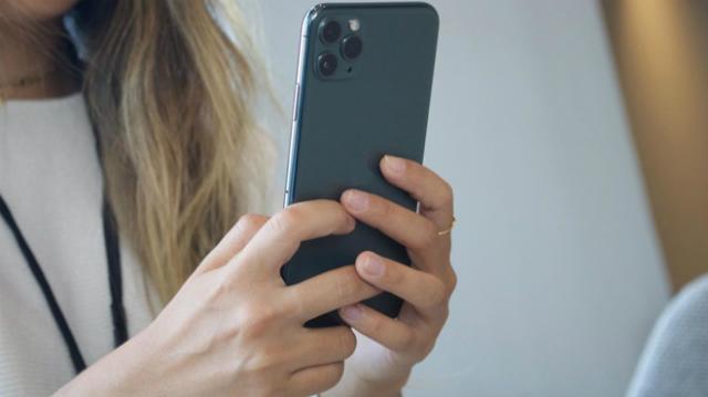 smartphone-ifwt-8861-1577672609.jpg