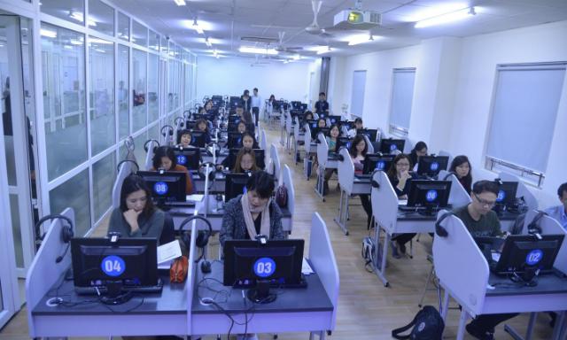 Giảng viên ĐH Hà Nội được đào tạo sử dụng akaTrans. Ảnh: ĐVCC