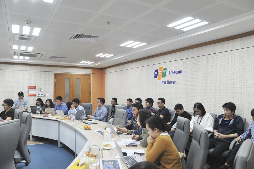 10h sáng nay (ngày 2/1), vòng bán kết iKhiến mùa giải 2019 diễn ra tại toà nhà PVI (số 1 Phạm Văn Bạch, Cầu Giấy) và tòa nhà FPT Tân Thuận, quận 7. Chương trình có sự tham gia của 9 đội giành giải Vàng trong 8 số iKhiến 2019. Trong đó, FPT Telecom - 4 sản phẩm; FPT Software - 3 sáng tạo; FPT IS - 2 sản phẩm.