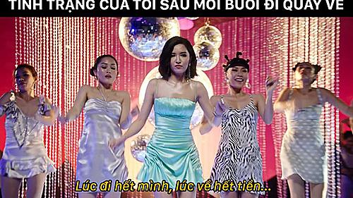 Bắt nguồn từ MV Đi đu đưa đi của ca sĩ Bích Phương, đoạn điệp khúc 'Lúc đi hết mình lúc về hết buồn' được cư dân mạng chế thành 'Lúc đi hết mình lúc về hết tiền' để thể hiện trạng thái vui chơi hết mình rồi sau đó rỗng ví.