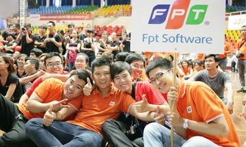 FPT Software thưởng tiền mặt khủng, FPT IS bí mật đến phút chót