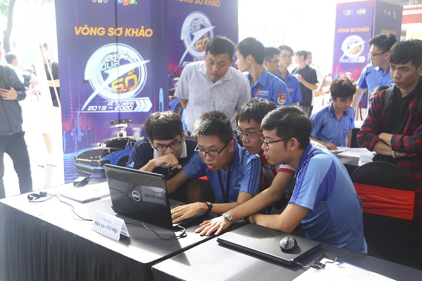 Sau vòng thi thứ nhất, đội 117 - Hoa Lan Chi Hội đứng đầu với 51 điểm, đội BK Racing Boy xếp thứ hai với 50 điểm.Điểm vòng thi năng lực lập trình sẽ chiếm 30% tổng số điểm cả cuộc thi.