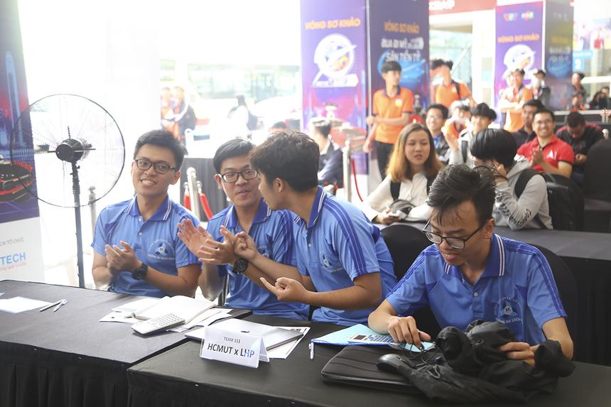 Đội thi mang số báo danh 113 (ARBK06) đã trở thành đội thi duy nhất hoàn tất quãng đường và vượt qua 5 checkpoint, mang về 25 điểm tối đa.