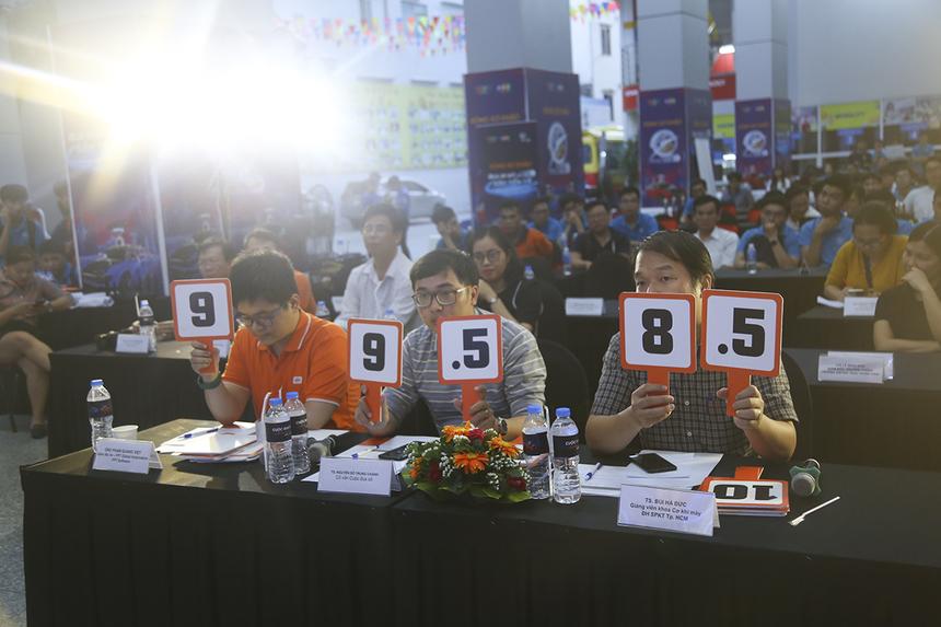 Kết thúc vòng 3, đội 421 (ĐH Lạc Hồng) tiếp tục giành điểm cao nhất với 9 điểm, đội 220 (ĐH KHTN - ĐHQG TP HCM) đạt 8,67 điểm.