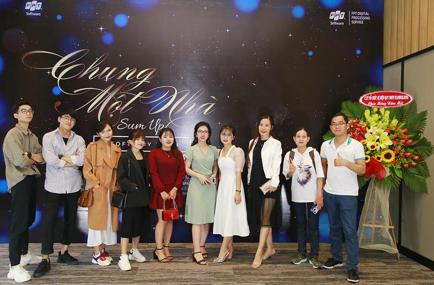 """Ngày 8/1, tại khách sạn ANYA Hotel & Spa, FPT Software Quy Nhơn đã tổ chức tiệc tổng kết với chủ đề """"Chung một nhà"""" với sự tham gia của toàn thể CBNV."""
