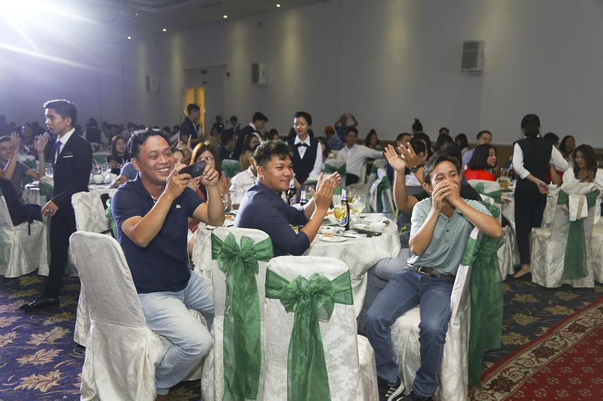 Đội Nhất, Nhì, Ba lần lượt nhận giải thưởng 7 triệu đồng, 5 triệu đồng và 3 triệu. Hai giải Khuyến khích sẽ nhận 1 triệu đồng/giải. Ban Giám khảo của cuộc thi gồm anh Trần Quốc Hoài - Chủ tịch Synnex FPT, anh Bùi Ngọc Khánh - TGĐ Synnex FPT và anh Nguyễn Quang Minh - PTGĐ Synnex FPT.
