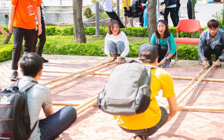 Những hương vị của Tết cổ truyền được tái hiện lên đậm nét bởi những điều giản dị, thân thuộc. Người tham gia như được thu hẹp khoảng cách với những hoạt động truyền thống của Việt Nam.